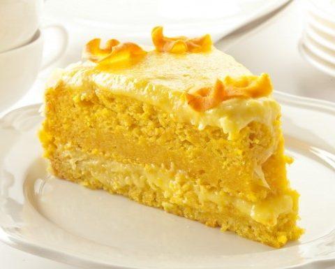 Постный морковный торт с миндально-манным кремом