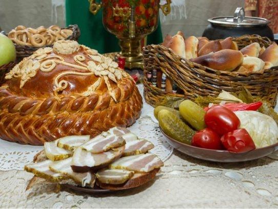 Васюкова А. Т. Кухни народов мира: Учебник. Пищевые коды различных вероисповеданий Ч. 2.