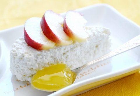 Запеченное творожное суфле с яблоками